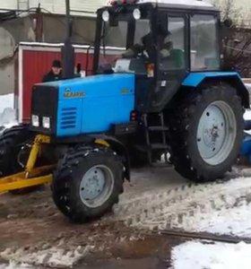Очистка территории от снега (Трактор)