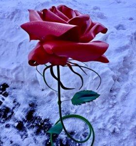 Ростовые цветы из изолона Роза
