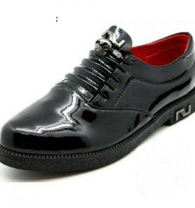 Туфли женские , верх лак.размеры 36/38/40