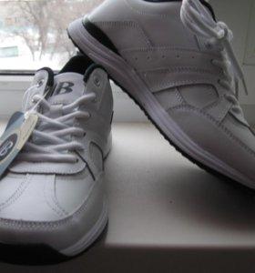 Демисезонные белые кроссовки BONA