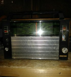 Радиоприемник ретро!!