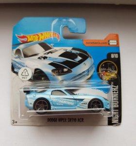 Машинка Hot Wheels Dodge Viper SRT10 ACR