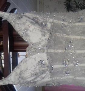 Платье свадебное цвет экрю (продажа или прокат)