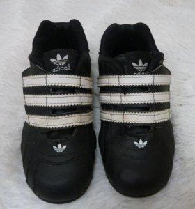 Кроссовки adidas 25