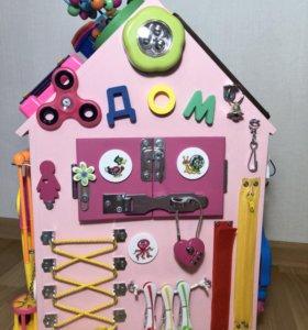 Бизиборд дом для маленькой принцессы.