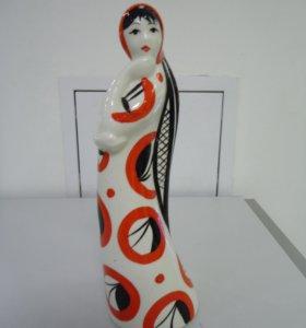 Продам статуэтку «Девушка с косой» (фарфор, Гжель)