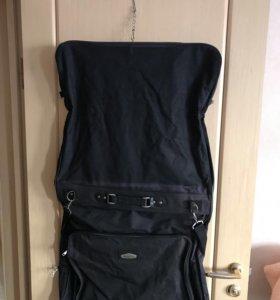 Чехол для одежды в машину