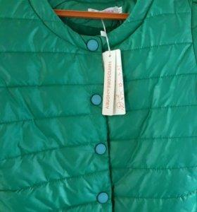 Яркая курточка на весну, размер xs