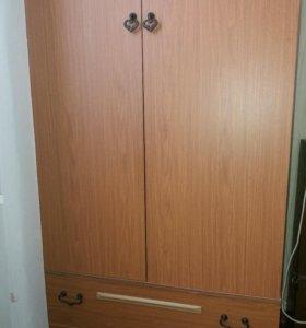 Шкаф мебельный.