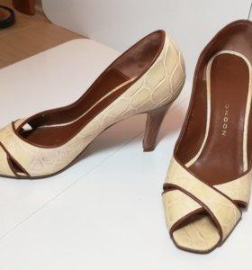 Туфли светло-бежевые
