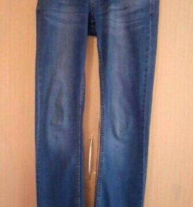 Мужские джинсы цена за одну вещь