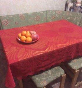 Стол обеденный и 2 табурета