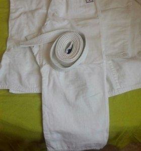 Кимоно и белый пояс
