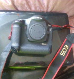 Профессиональная зеркальная камера Canon 1DMark3