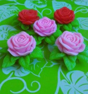 Роза на листочках. Сувенирное мыло в подарок.