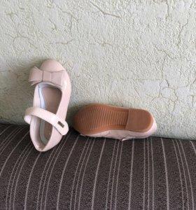 Туфли новые лакированные