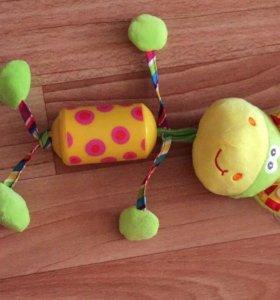 Подвесная игрушка погремушка для малышей