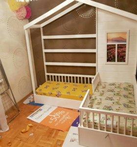 Детская кровать с диванчиком домик
