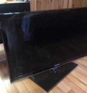 Телевизор Samsung LED UE32D6100SW