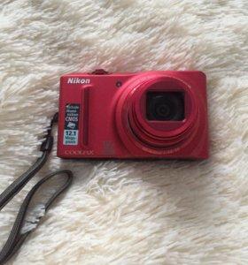 Цифровой фотоаппарат Nikon