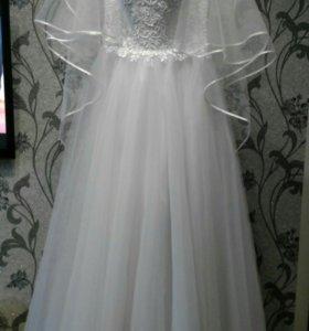Свадебное платье,фата, подъюбник под платье.