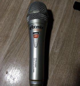 Микрофон проводной динамический Ritmix RDM-131