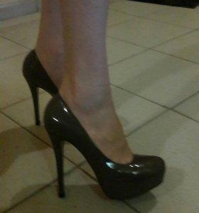 Туфли + шлепки бонусом!!!36 размер