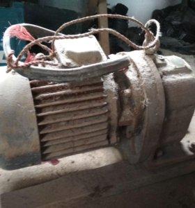 Электро двигатель с редуктором 10т