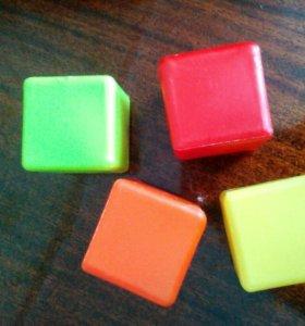Кубики,Маша,игрушки