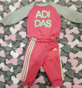Комтюм Adidas 6-9 месяцев