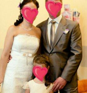Платье свадебное ,костюм мужской