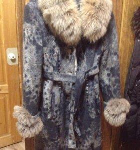 Пальто,зима ,но можно и весной,мех отстегивается.