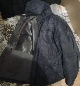 Куртка, ветровка.