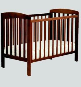 Кроватка детская натуральное дерево