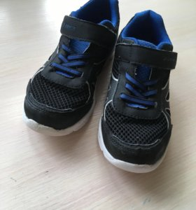 Легкие кроссовки Демикс