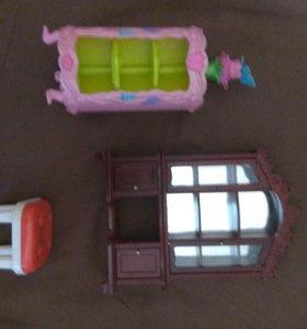 Шкафчики и стул для кукол