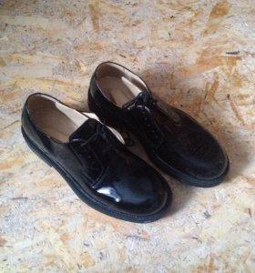 Лаковые ботинки военные