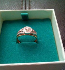 Золотое кольцо с 33 бриллиантами