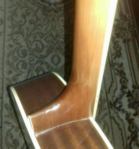 Акуистическая Гитара.