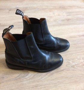Кожаные ботинки для конного спорта