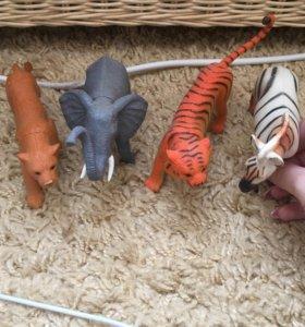 Игрушки из пластмассы