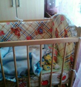 Кроватка и всё для сна малыша