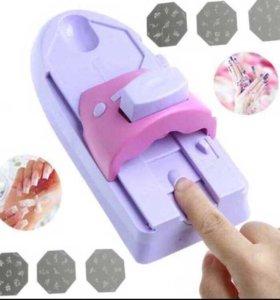 Машинка для дизайна ногтей , наносит рисунок на но