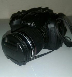 Цифровой фотоаппарат Fujifilm Finepix HS 20 EXR