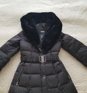 Женская куртка с воротником из овчины