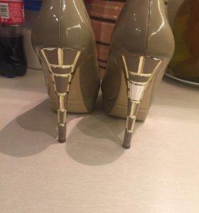 Золотые туфли !!!