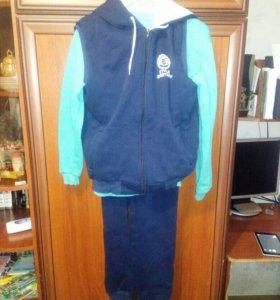 Спортивный утепленный костюм тройка
