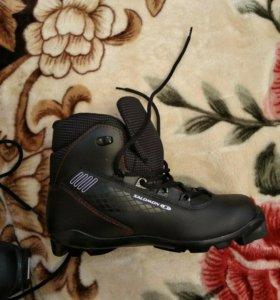Коньки, лыжные ботинки