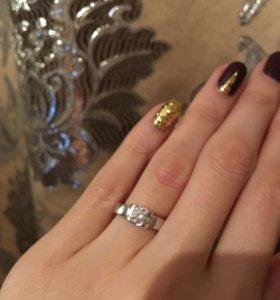 Серебряный набор ( сережки и кольцо)
