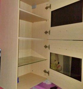 Навесной шкаф и тумба под ТВ.